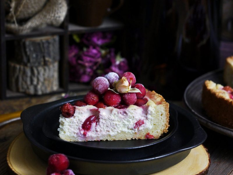 Cottage cheese and berries cake with homemade shortcrust pastry.